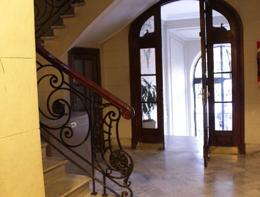 acceso a la escalera